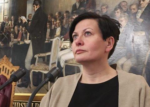 OMGJØR TVANG: Fra Stortingets talerstol lovet Helga Pedersen at en regjering med Ap vil gjøre om tvansgvedtakene.