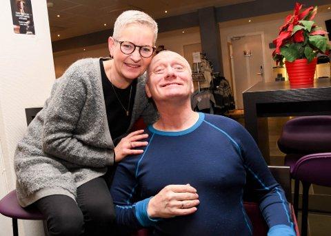 """VAR I RETTEN: Lisbeth Ernstsen Gallavara og mannen Leif Arvid """"Leffen"""" Ernstsen Alta var begge i retten da ankesaken ble behandlet før jul."""