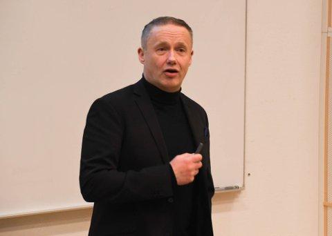 INNLEGG: Direktør Jens-Harald Jenssen i Serit Eltele AS holdt onsdag et innlegg på et seminar på UiT Campus Alta.