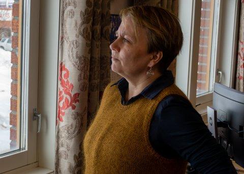 NI STEMMER: Ordfører i Porsanger, Aina Borch, la frem et forslag fra Arbeiderpartiet som balanserte argumenter for og i mot 420 kV-linja. – Vi er klare over de negative konsekvensene, sier hun.