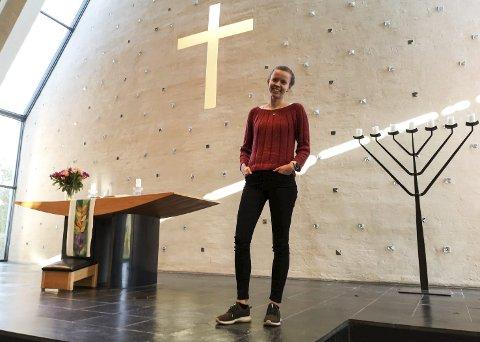 VIGSLES SØNDAG: Av hensyn til smitte-begrensning er det kun plass til 40 personer i tillegg til de medvirkende under søndagens vigslings-gudstjeneste for Marie Skarrebo Jørgensen. Foto: privat