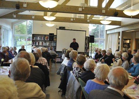 Eldredagen: Over 50 møtte opp da Flesberg pensjonistforening inviterte til foredrag om trafikksikkerhet. Foto: natalia C. Heinrich