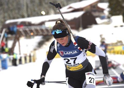 ANKERKVINNE: Mari Wetterhus, Svene, er ankerkvinne for Buskeruds damelag på stafetten i skiskytter-NM.