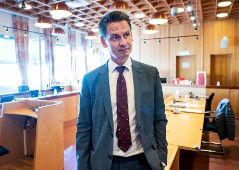 Den tiltaltes forsvarer, Espen Wangberg, sier hans klient ikke erkjenner straffskyld for det han er tiltalt for. (Bildet er fra en tidligere rettssak i Drammen tingrett)