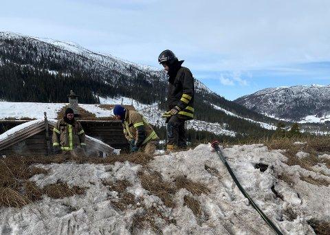 FORBUD: Det er fortsatt noen har som har fyringsforbud på hytter i Uvdal etter brannen.