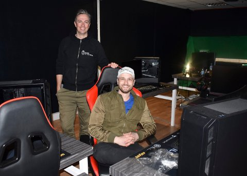 HAR KLART SEG BRA: Andreas Storaas-Barsnes og Fredrik Grøslie (foran) i King of the Hill har fått uventet hjelp det siste året.