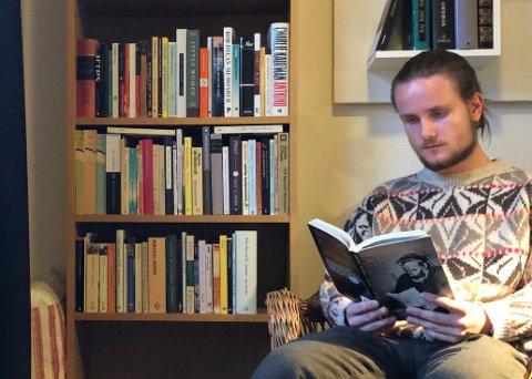 Lest mye filosofi: - Jeg har vært interessert i filosofi lenge, sier Daniel Ginsby fra Lier, som vant NM tidlig i sommer.