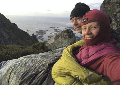 Fjelltur: Christin Oldebråten og mannen Bjørn Tjomsland  fikk en uforglemmelig natt under Djevelporten.