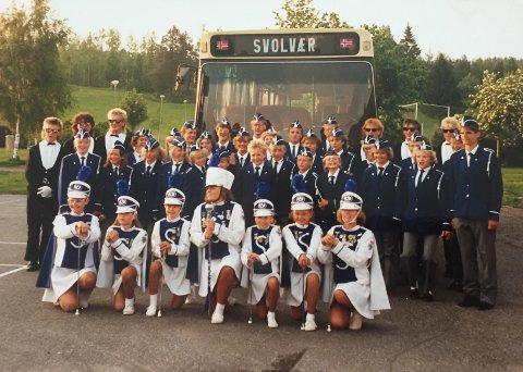 PÅ TUR: Svolvær skolekorps på korpstur til Piteå på slutten av 80-tallet.