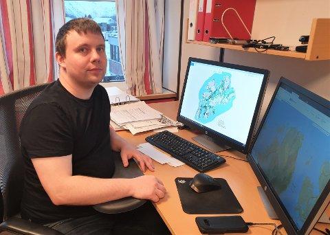 IKT-sjef Kjetil Jørgensen i Vestvågøy kommune forklarer at kommunen jobber hardt for at flest mulig skal få god bredbåndsdekning, helst via fiber. – Men er pengeboka tom, så er den tom.