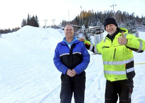 STÅR PÅ: Driftsleder Per Weum (til høyre) og «sjefsprepper» Lars-Erik Brokhaug arbeider med å legge til rette for barn og unge i Middagsåsen.