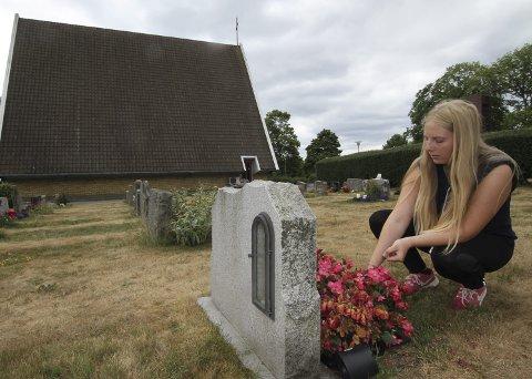 DAGENS NAVN: Victoria Unnerud Olsen. Har sin aller første sommerjobb i Moss drift og anlegg