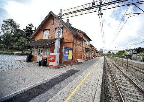INGEN TOG: Streik fører til at togene vil stå i ro i to timer til torsdag. Det vil også føre til forsinkelser resten av ettermiddagen.