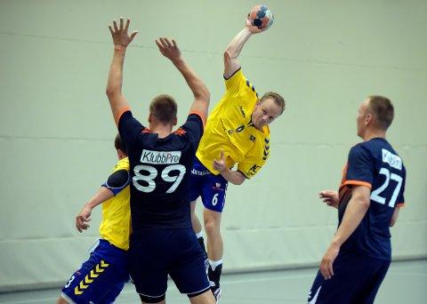SOLID FORSTERKNING: Lukas Karlsson er klar for å styre angrepsspillet i BSK.