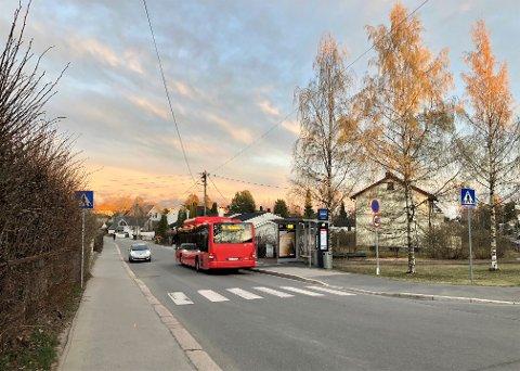 Raschs vei skal få ny overvannsledning her fra krysset ved Granstuveien/Bernt Knudsens vei og bort til T-banen.