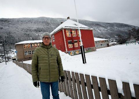 Det er den gamle skoletomta i Otta sentrum Sel Eldreråd har sett seg ut som aktuell for et seniorkollektiv, forteller Ingvar Lindstad. Men andre sentralt plasserte tomter er også av interesse.