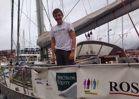 UNG OG LOVENDE: Ben Edwards er kun 14 år gammel. Om tre måneder blir han den yngste til å seile gjennom sjøveiene i arktis.