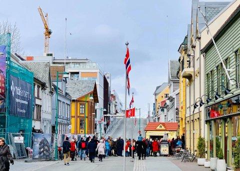 STORT ENGASJEMENT: Mange Tromsøværinger tok turen på Nordtings folkemøte etter 1.mai-toget.