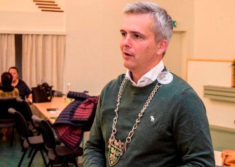 SKAL ANSETTE NY RÅDMANN: Ordfører Bror Helgestad (Sp) skal lede utvalget som skal ta seg av rekrutteringen av ny rådmann.