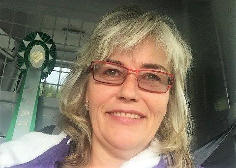 REAGERER: Leder i FrPs nominasjonskomite for Oppland, Line Sandli, reagerer på oppslaget i OA 8. august, der Stig Vestlie lanserer Carl I. Hagen som kandidat til førsteplassen på Oppland FrPs liste til stortingsvalget 2021.