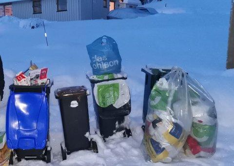 HAR VENTET: Avfallet har hopet seg opp hos Nils Frode Martila mens han har ventet på at Horisont skulle komme.