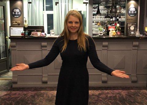 VELKOMMEN: Anneli Nurk (36) ønsker hjertelig velkommen til Clarion Collection Grand Hotel. Hotellet åpnet for fullt igjen 6. januar.
