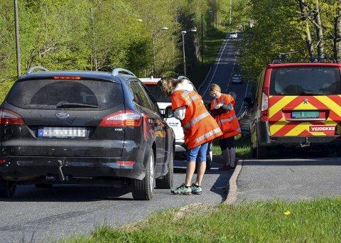 Ble Stoppet: Utspørringen av trafikantene var et ledd i innsamlingen av kunnskap om trafikksituasjonen i Larvik. Foto: Knut Hovde, Statens vegvesen
