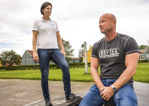 Alarm: Miljøarbeider Petter Hvaara og prosjektkoordinator i Antidpoing Norge, Therese Torgersen, ser en stadig vokende ungdomsgruppe som har fokus på den perfekte kropp. Foto: Nils-Erik Kvamme