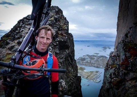 SØKER KOLLEAGA: Stein Ivar Hovland har nettopp utlyst en jobb helt utenom det vanlige.