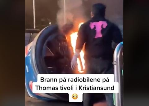 Videoen av brannen i en av radiobilene til Thomas Tivoli i Kristiansund søndag er blitt spilt av over 20.000 ganger på TikTok siden søndag.