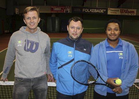 Daglig leder Frank Stensøy og trenerne Tomas Karell og Urban Ekström i Porsgrunn Tennisklubb arrangerer regionsmesterskap for juniorer.