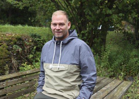FERDIG I EIDANGER: Marius Kristiansen gir seg som trener for Eidanger i 5. divisjon. 14. oktober leder han laget for siste gang. Da er det to kamper igjen av sesongen. han er hemmelighetsfull når han blir spurt om hva det er som gjør at han gir seg.