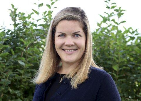 Fylkesråd: Aase Refsnes begynte i sin nye jobb for en uke siden. Allerede er hun i gang med ny kulturstrategi, ny idrettsstrategi og fylkets første regionale plan for folkehelse. Pressebilde