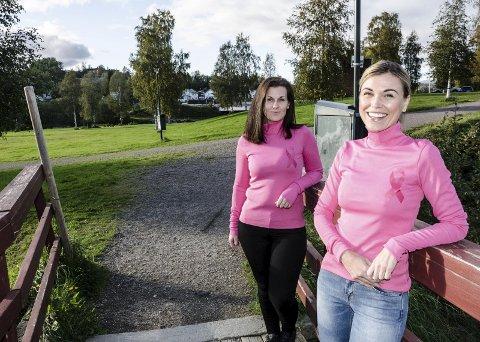 Lena Westman (t.v.) og Lene Frøysa vil ha deg ut på trimløp i Klokkerhagen og på Revelen. Pengene går til forskning på brystkreft.  Foto: Trond Isaksen