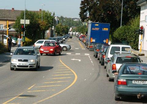 Kollektivløsninger vil ikke erstatte privatbilen, skriver Per Stamnes i dette leserinnlegget.