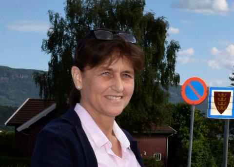 Kristin Remme (H) ber nå om permisjon fra politiske verv i Hole til det er avklart om gården hun bor på skal tilhøre Ringerike eller Hole.