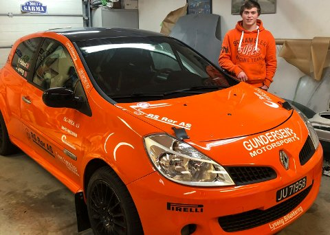 GOD VINTERDEBUT: Jacob Lyseng (17) vant klassen sin i Sigdalsrally i ny bil.