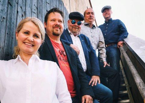 KLAR FOR BASSGARASJEN: Margrete Lad fra Hønefoss er vokalist i det lokale bandet Holen & Co.