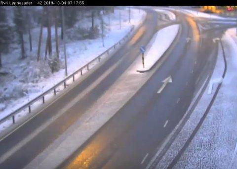 SNØ: Det har kommet snø på Lygna natt til fredag.