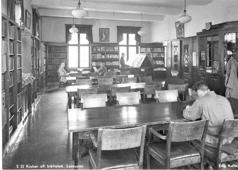 RJUKAN: Rjukan bibliotek. 1947. To år etter den varme freden og på god vei inn i den kalde krigen. (illustrasjons bilde)