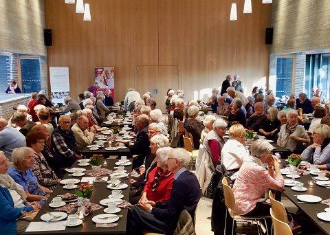 Over 150 mennesker deltok på markeringen av eldredagen i Teglen mandag.