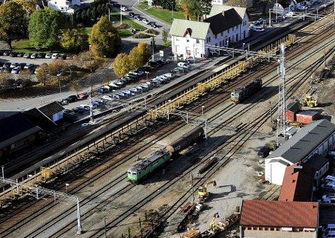 «De fleste jeg snakker med om nytt dobbeltspor gjennom Østfold, er opprørt over «beslutningen» om at traseen skal gå gjennom sentrum av Fredrikstad og Sarpsborg», skriver Egil Erstad i dette innlegget. (Foto: Jarl M. Andersen)