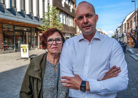 KJEMPER MOT VIKEN: Leder i Sarpsborg Ap, Karin Brenden Korneliussen og ordfører Sindre Martinsen-Evje gir ikke opp å få stoppet innføringen av region Viken.