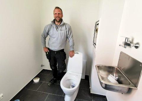 HYGGELIG: Ole Morten Ramstad fra Indre Østfold kan vinne kåringen som Norges hyggeligste håndverker.
