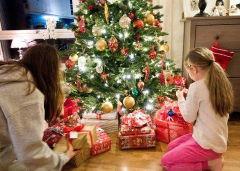 Trådløse gaver: Mange av årets julegaver inneholder bluetooth og wi-fi. Disse kan representere en personvernrisiko. Foto: Gorm Kallestad / NTB scanpix