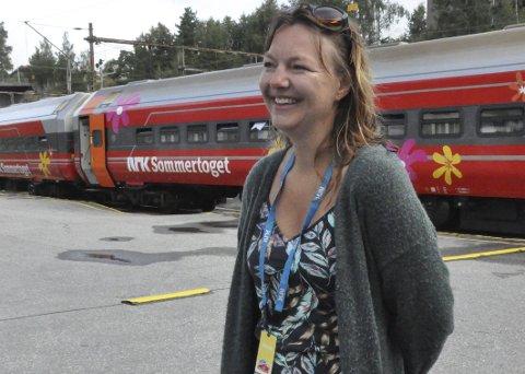 Morgenfrisk: Anne Kjersti Goberg fikk ikke tid til å møte familien sin da hun besøkte Notodden med Sommertoget, men hun rakk en kjapp morgendukkert i Heddalsvannet. Nettopp det hun trengte før en ukes jobbing på NRKs sommertog som satte kursen mot Østfold.