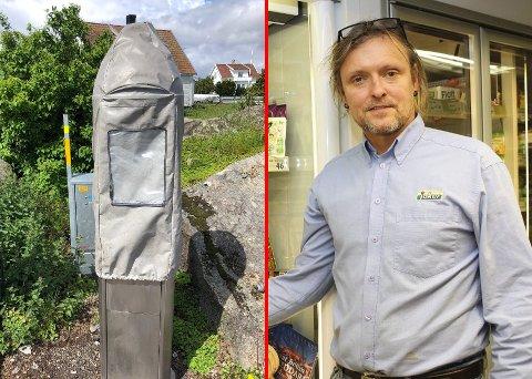 Parkeringsautomaten var i drift, men etter at både gårdeier og daglig leder i Joker-butikken i Sandøsund tok kontakt, har Færder kommune satt på hette.