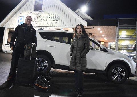 PÅ RETT PLASS: Denne fredagskvelden landet Jenny Klinge på Trondheim lufthavn Værnes og sannelig var bilen på plass hos Oskar Johansson på Sandfærhus Parkering. Det tar sin tid før hun glemmer at hun landet på Værnes og hadde bilen i Molde.