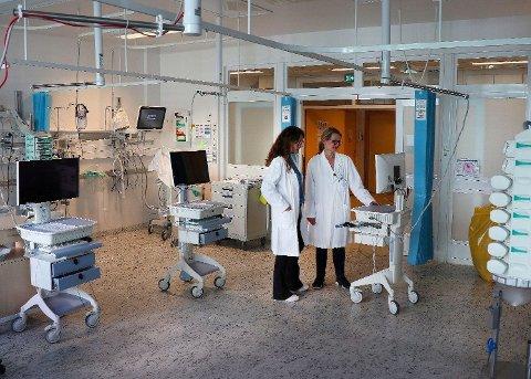 Fortsatt gledelig nedgang i antall personer som får sykehusbehandling, men antall smittede og døde øker. Foto: Ole Berg-Rusten (NTB scanpix)
