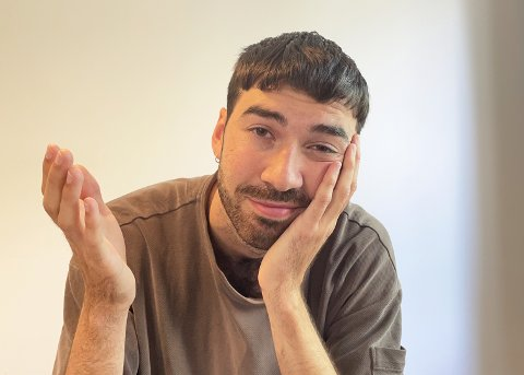 I ISOLASJON: Trym Eilertsen (24) er i isolasjon etter å ha fått påvist ocvid for andre gang. Det verste med å måtte i isolasjon nå er at jeg hadde en helt fresh fade, som kommer til å være død når jeg kommer ut, spøker han